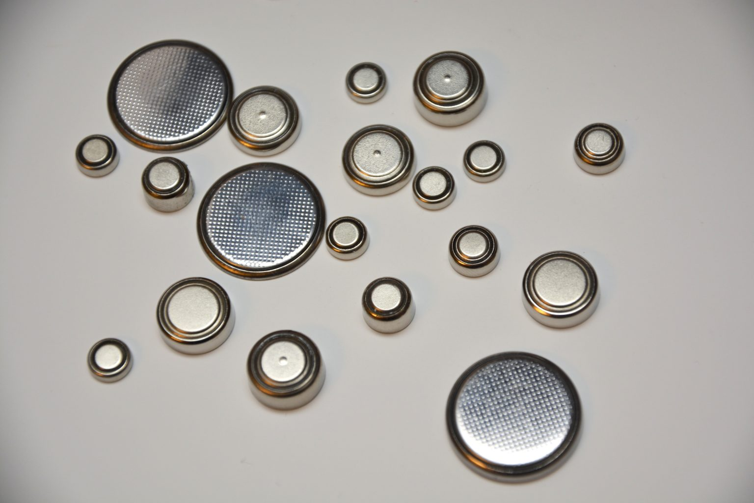 Button cell battery chart