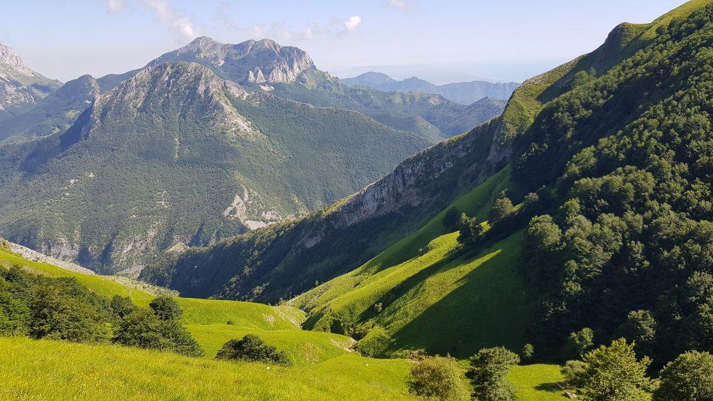 Tuscany Mountains
