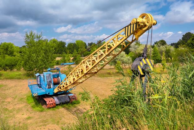 Dragline excavators