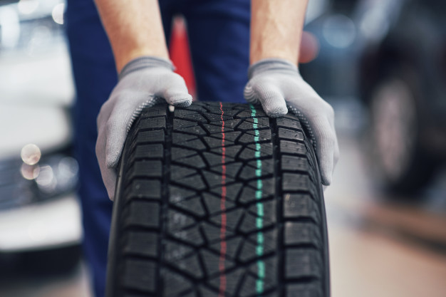 How To Choose The Best Wheels And Tires For Your Vehicle