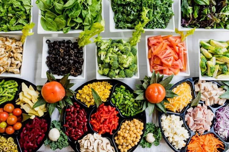 3.Vegan Salad Full Of Goodness