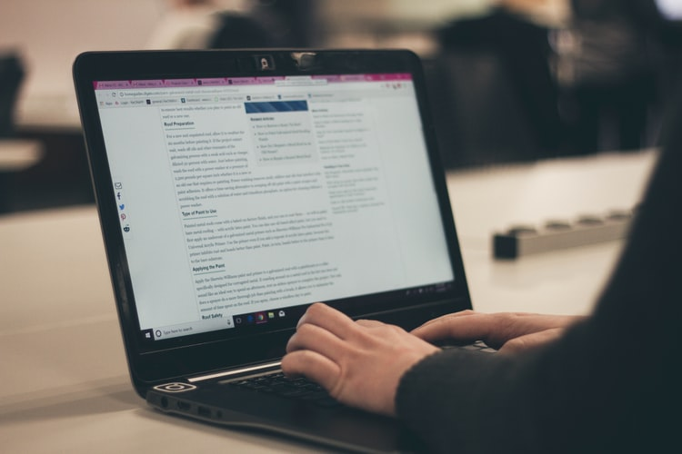 What is an RSS feed reader?