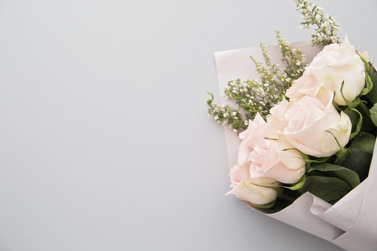 Send The Right Symbolic Flowers