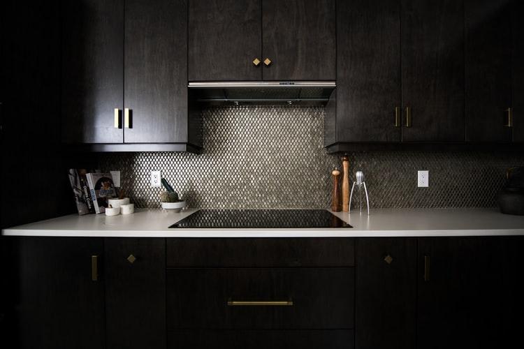Base Cabinets: