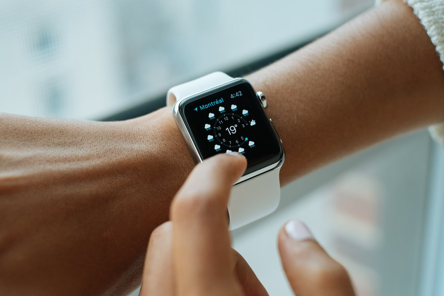 2. Smartwatch – a gift for every fan of gadgets