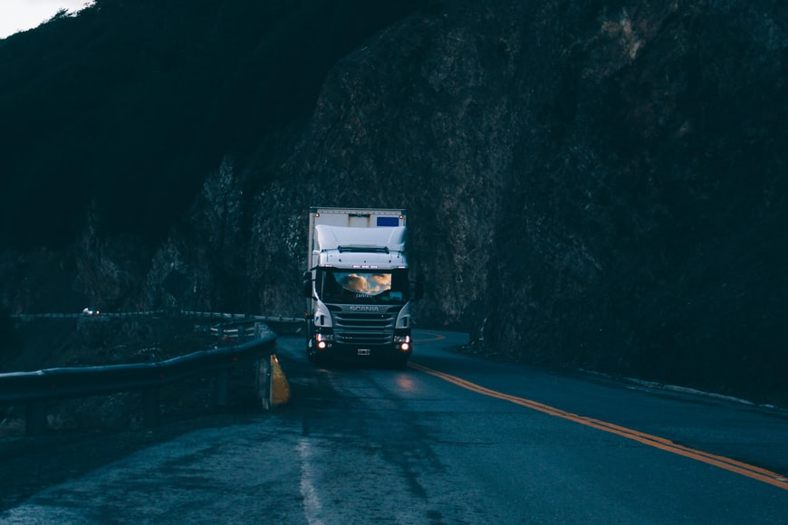 Safety Tips that Motorists should follow to avoid accidents with trucks